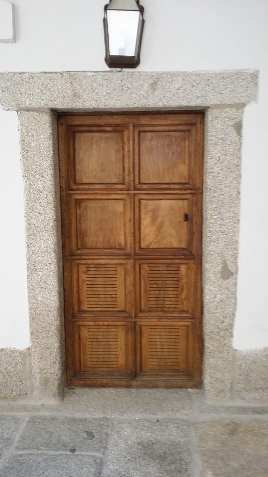 Door, El Escorial